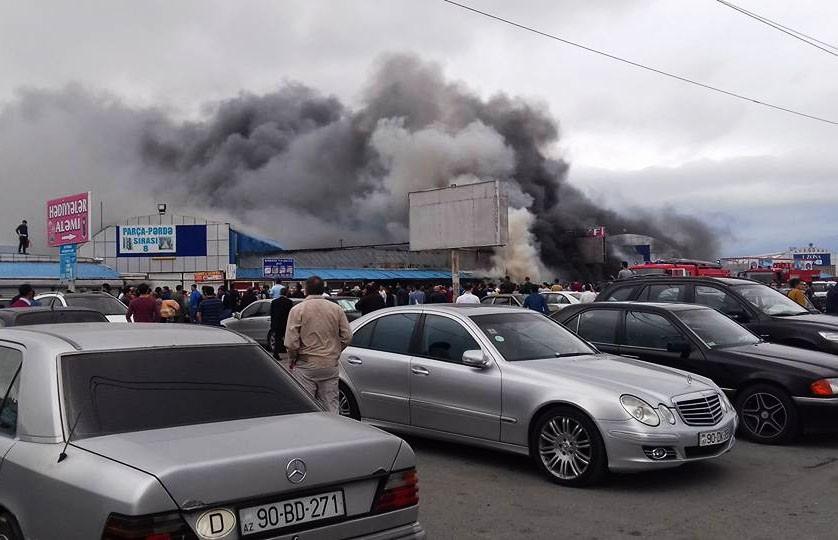 Пожар в торговом центре Баку. Пострадали 10 человек