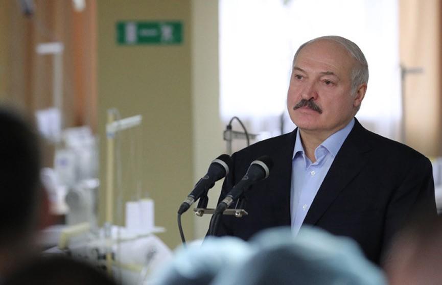Лукашенко: в Москве попрятались и «плявузгают» в сторону Беларуси. Думают, мы их не достанем
