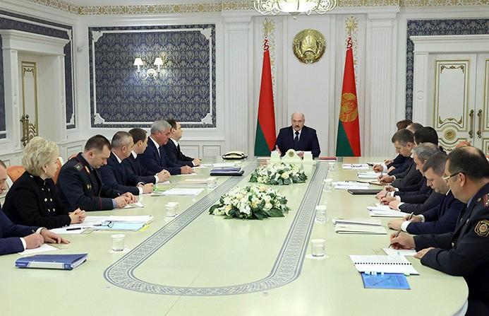 Лукашенко поручил определиться с новым механизмом уплаты дорожного сбора