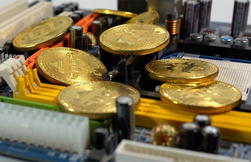 Цена биткоина впервые достигла $63 тыс.
