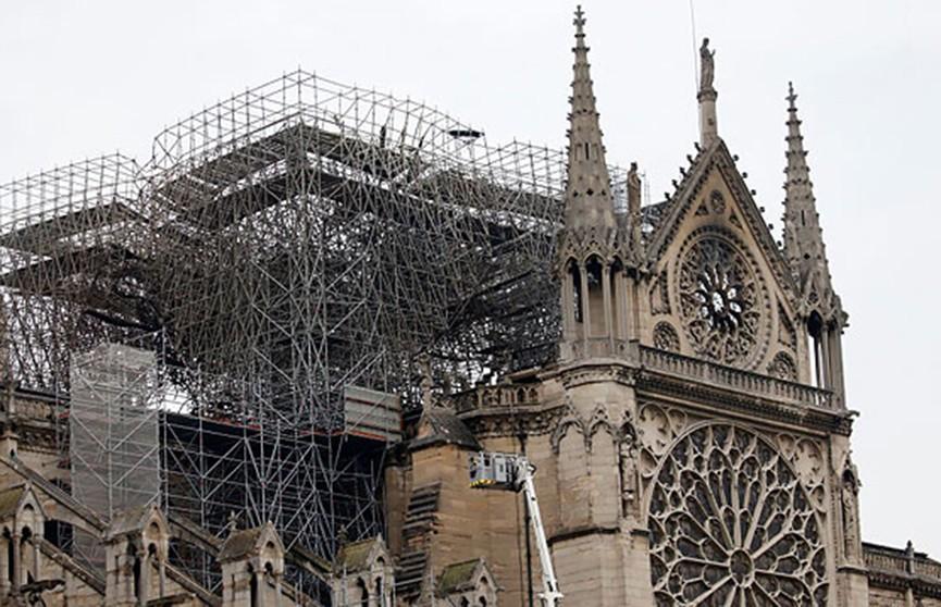 Закон о реставрации Нотр-Дама принял французский парламент