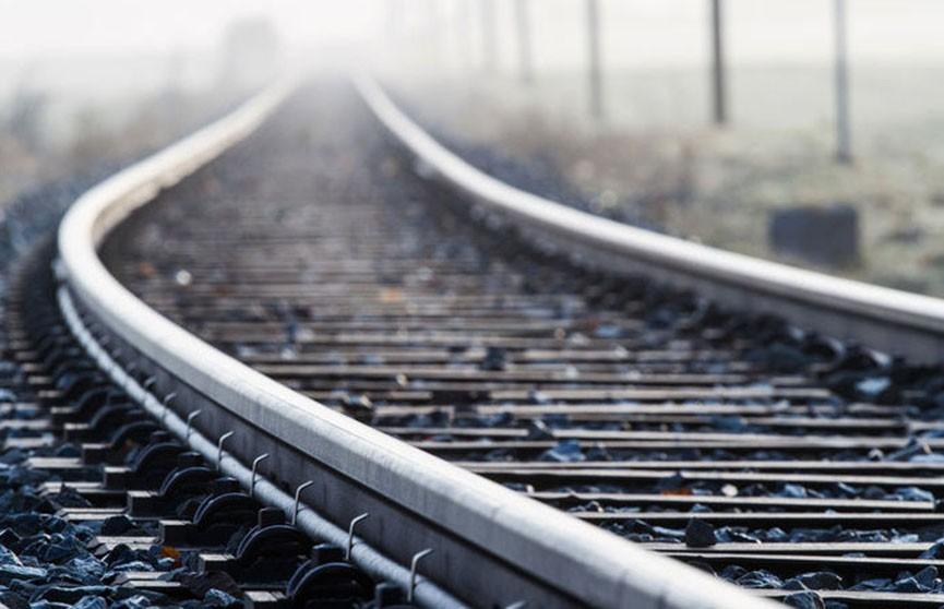 Пенсионера сбил поезд в Добрушском районе: он в реанимации