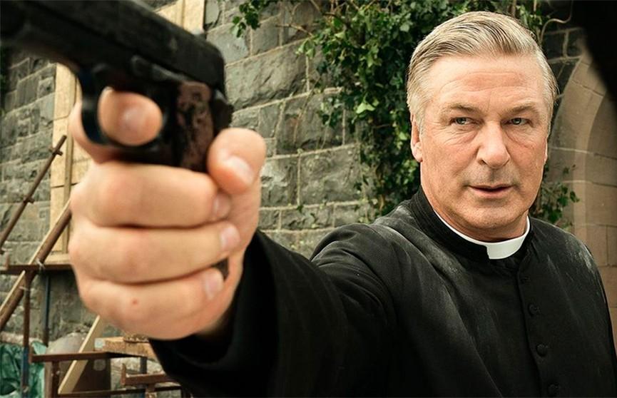 Пистолет с боевыми патронами Алеку Болдуину выдал ассистент режиссера