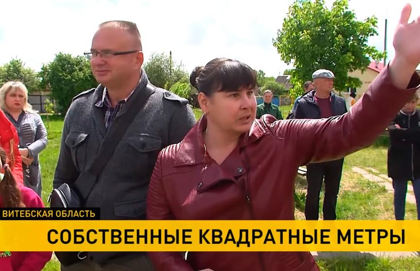 «Плотность на этом пятачке зашкаливающая»: жители Орши вышли на защиту своего двора, где хотят построить многоэтажку