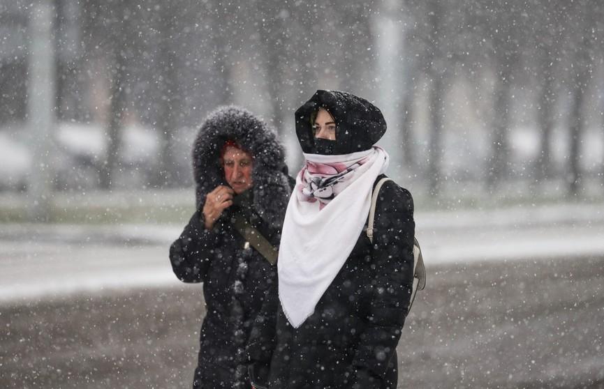 Много осадков, порывистый ветер и гололедица: прогноз погоды на 25 декабря