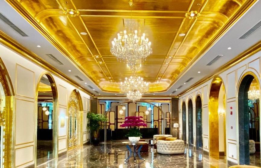 Открылся первый в мире покрытый 24-каратным золотом отель