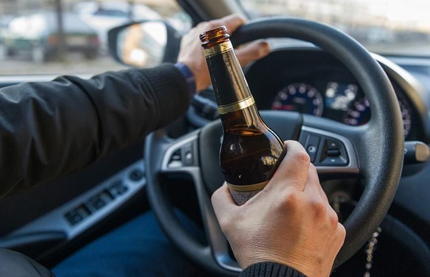 Пьяный водитель в Минском районе пытался скрыться от инспекторов ГАИ