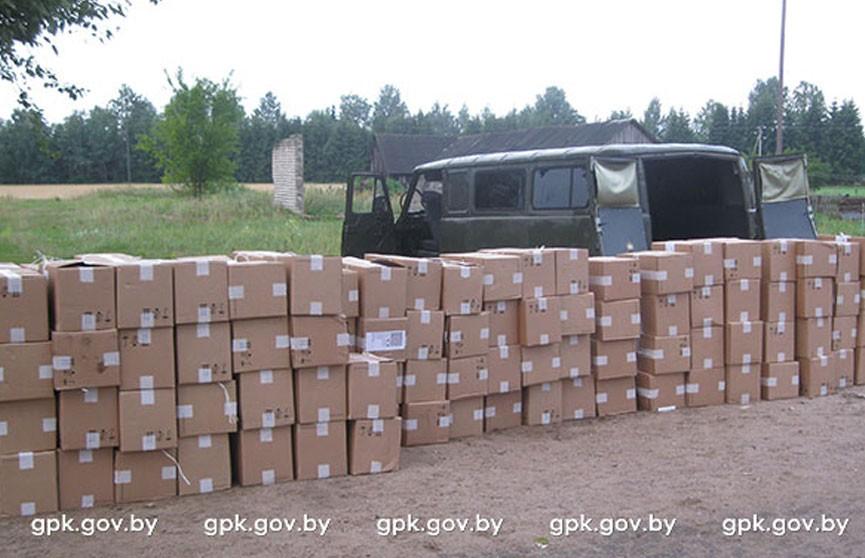 Контрабандисты, перевозившие 55 тысяч пачек сигарет, пытались уйти от погони