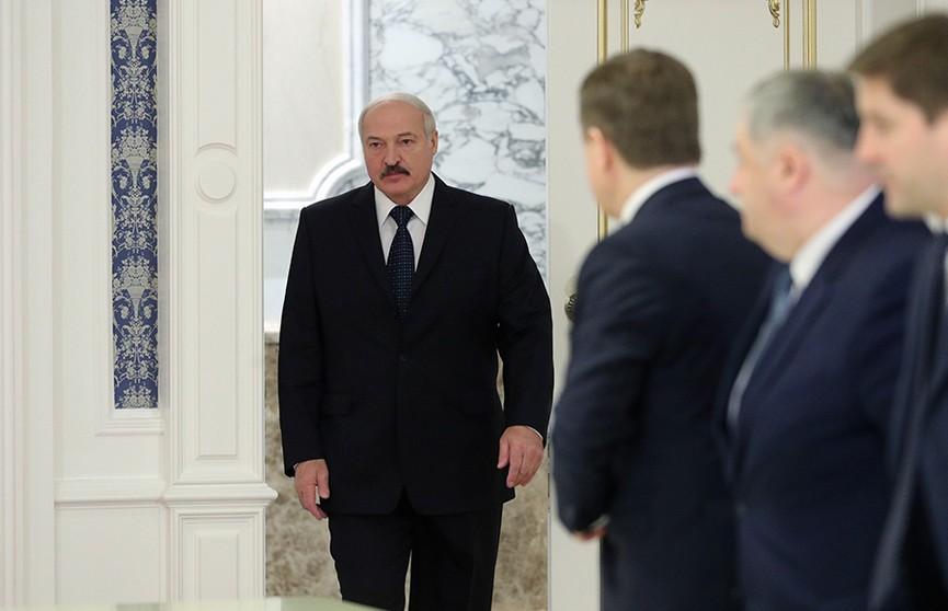 Лукашенко про российские СМИ: мы гораздо честнее, чем они – там полностью искажается правда