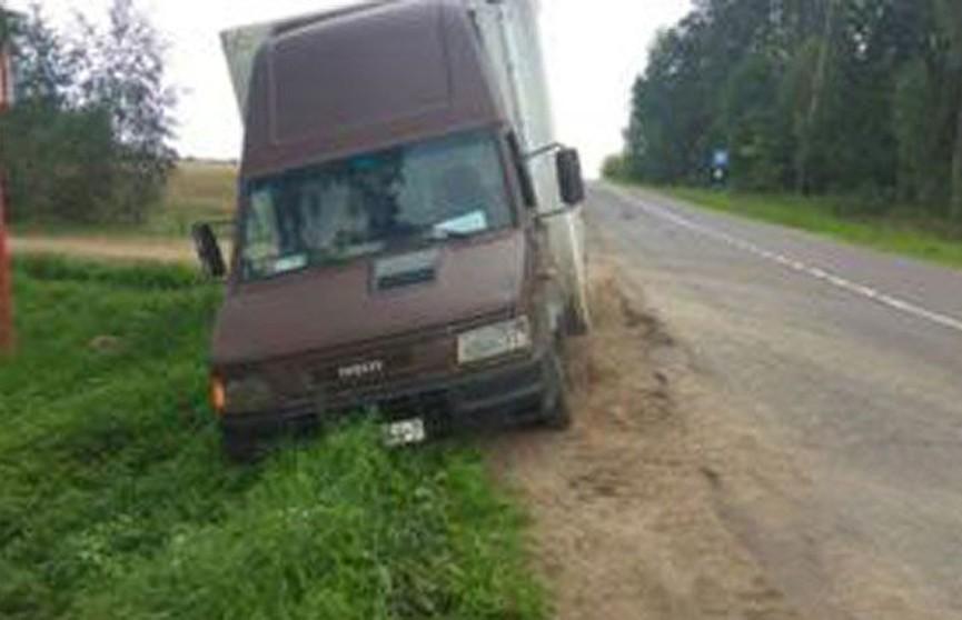 6-летняя девочка попала под колёса микроавтобуса в Борисовском районе