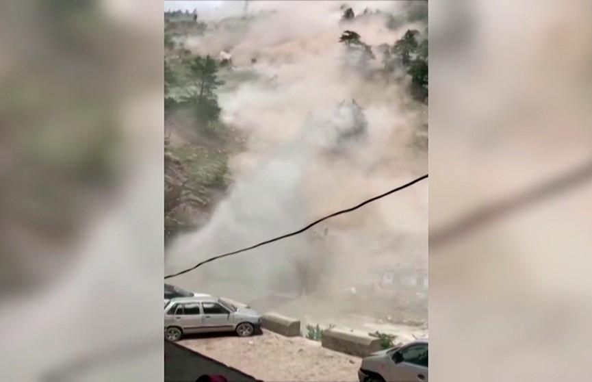 В Индии туристы попали под камнепад: погибли 9 человек