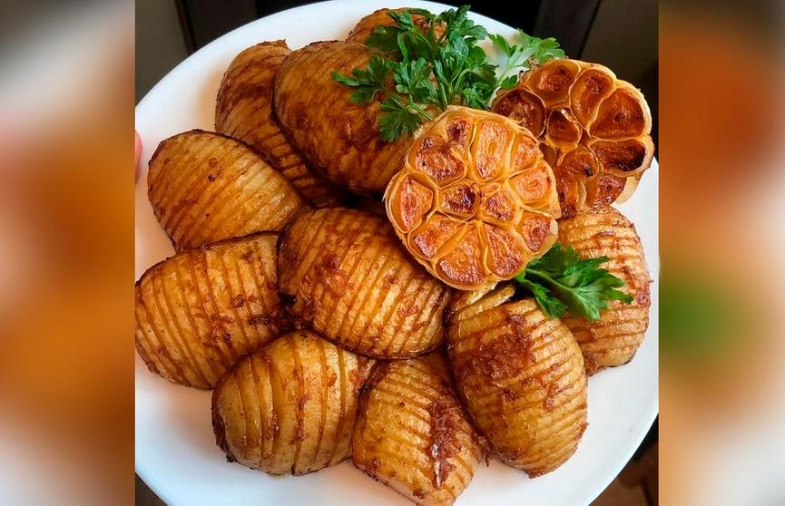 Молодая картошечка, от которой текут слюнки, – съедается на раз-два! Посмотрите, как необычно и в то же время просто!