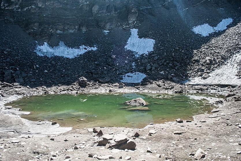 Учёные приблизились к разгадке тайны «Озера скелетов» в Гималаях