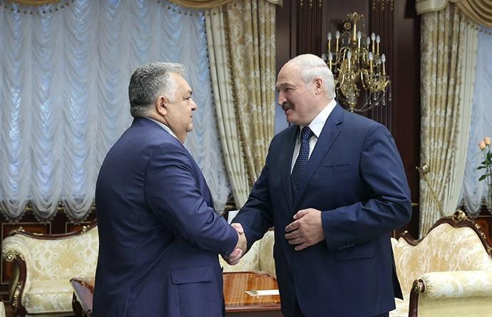 Александр Лукашенко встретился с послом Азербайджана Латифом Гандиловым