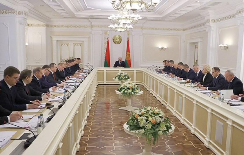Лукашенко рассказал о перераспределении полномочий органов власти
