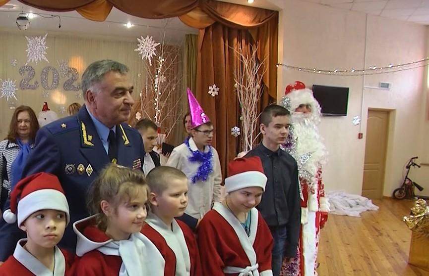 Акция «Наши дети»: детские дома посещают министры, чиновники Генпрокуратуры, спикер Совета Республики