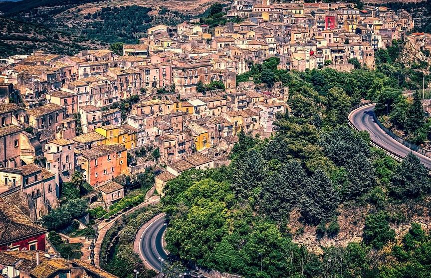 На Сицилии можно купить дом за один евро