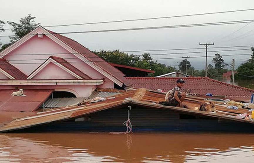 Обрушение дамбы в Лаосе: сотни людей числятся пропавшими без вести