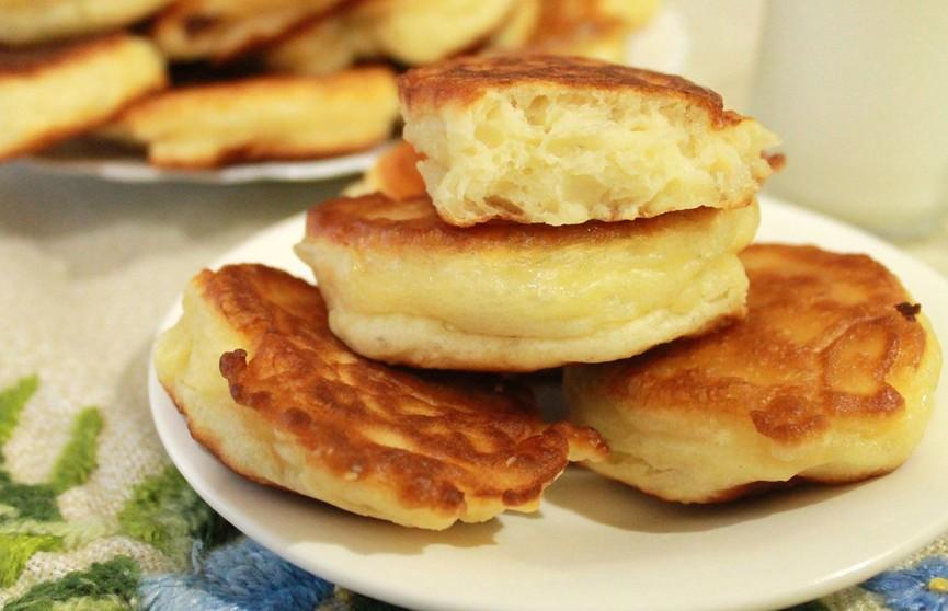 Как пух: рецепт пышных оладий без дрожжей. Похожи на пончики!