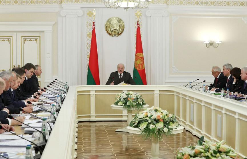 Лукашенко: «Стране сегодня нужны не объёмы производства, а его эффективность и конечный результат – прибыль и рентабельность»