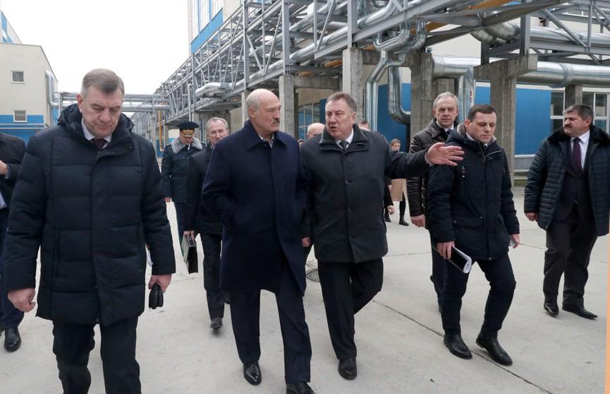Рабочий визит Александра Лукашенко в Добруш: производство бумаги, «сахарное» дело и переговоры с Россией