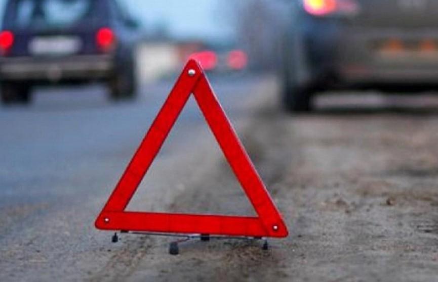Автобус опрокинулся в кювет в Минском районе: есть пострадавшие