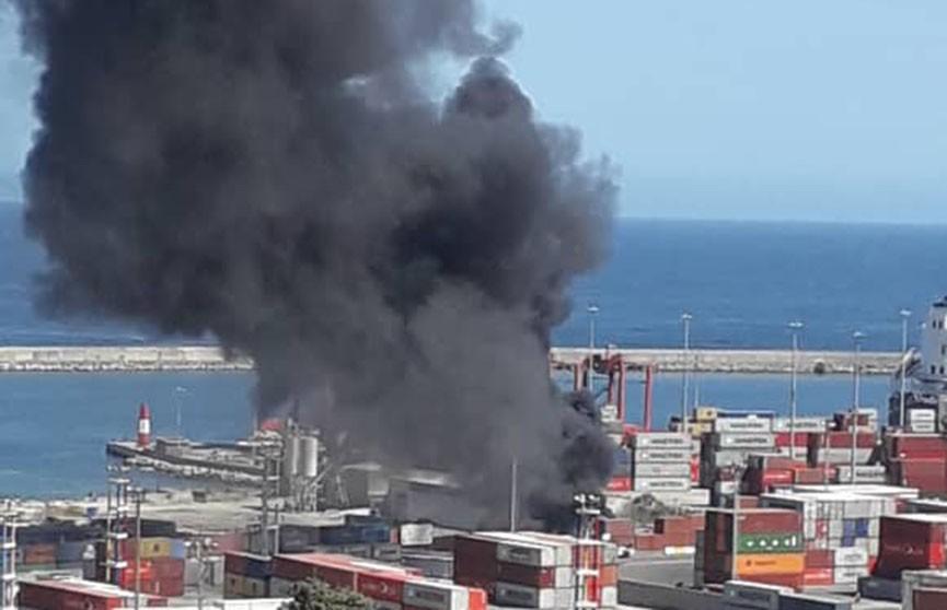 СМИ: в порту в Венесуэле произошёл взрыв
