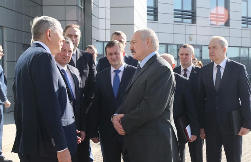 Александр Лукашенко – о мировом финансовом кризисе: Одной ногой уже вступили, теперь пытаемся вернуть ее назад
