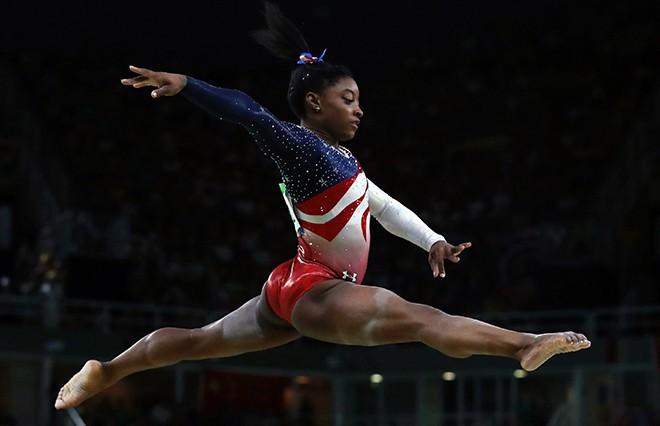 Гимнастка из США впервые выполнила двойное сальто назад с тремя винтами
