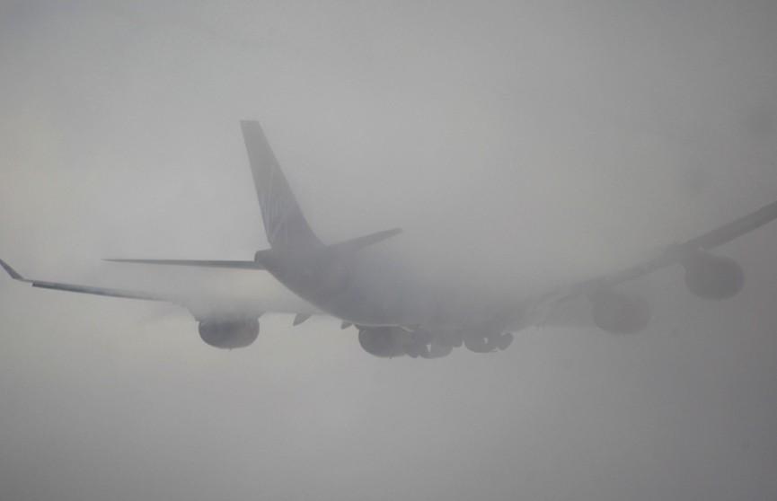 Из-за густого тумана некоторые самолеты прибывают в Минск с опозданием