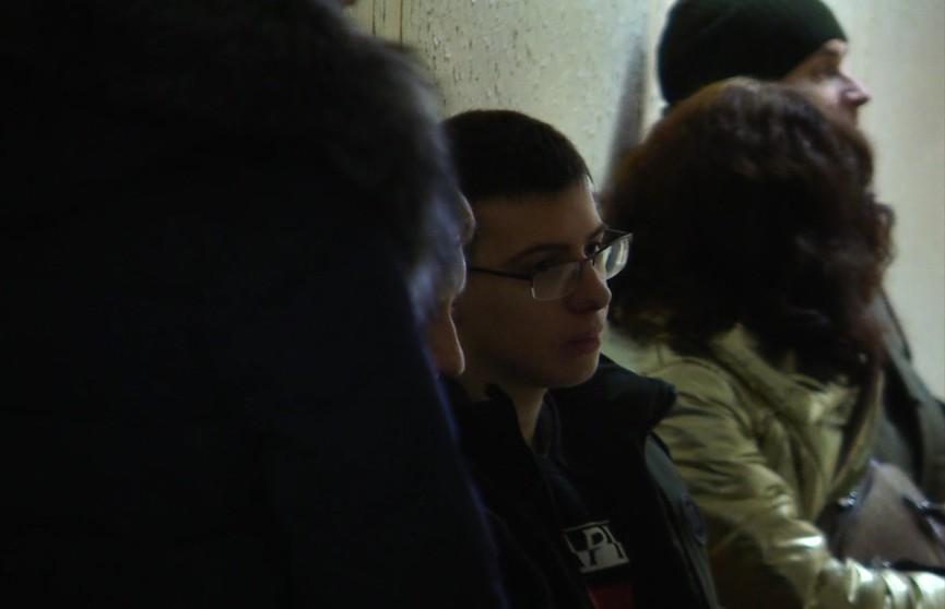 В Витебске начался суд над подростком, которого обвиняют в превышении пределов допустимой обороны