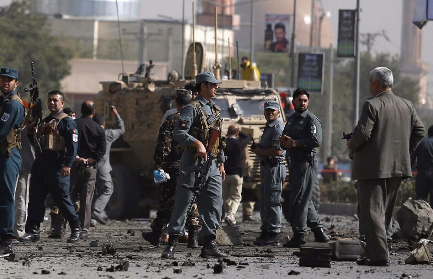 Мощный взрыв прогремел у посольства США в Кабуле в годовщину 11 сентября
