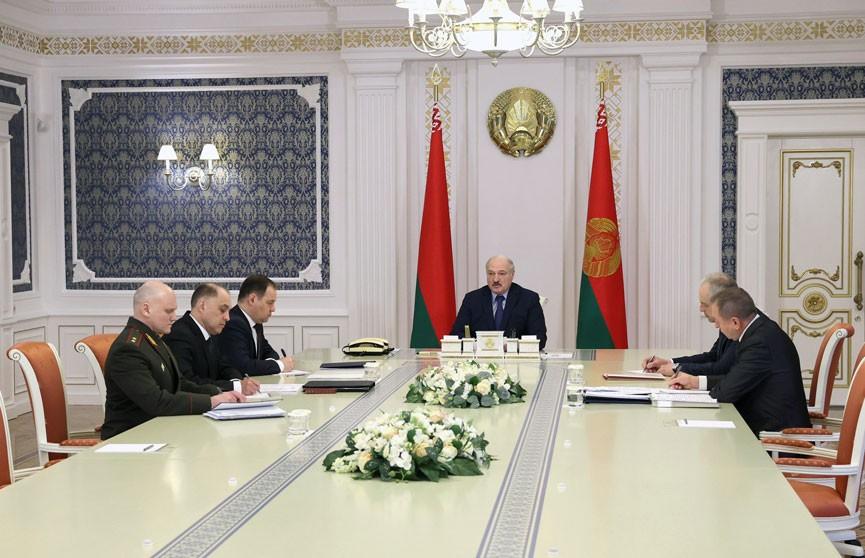 Лукашенко: нет необходимости держать политических советников в странах, которые ведут против нас деструктивную деятельность