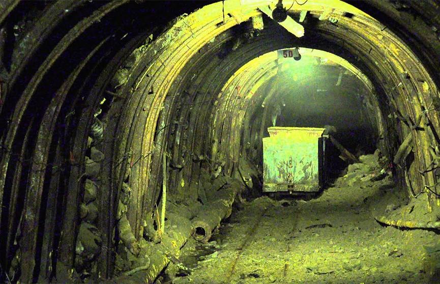 Под завалами обрушившейся шахты в Мьянме оказались полсотни горняков