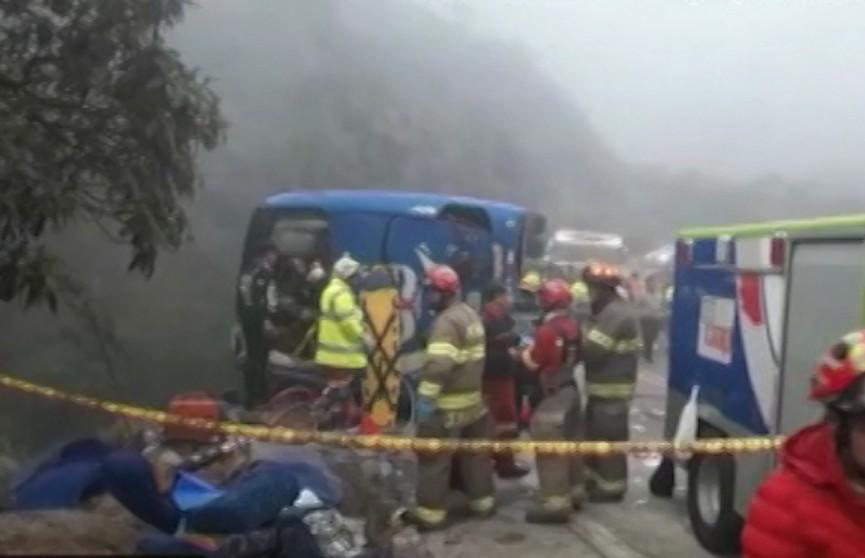 ДТП в Эквадоре: в аварии с автобусом погибли 24 человека, более 30 ранены
