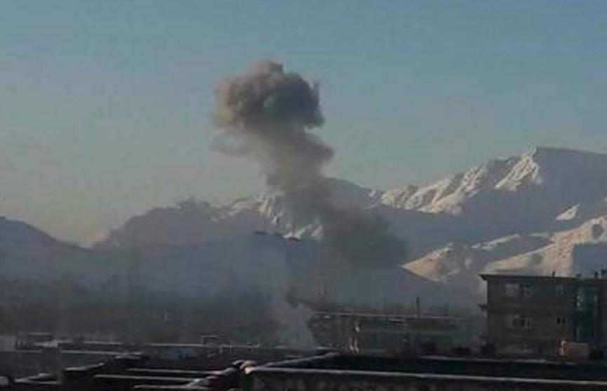 Боевики атаковали базу спецслужб в Афганистане: 18 погибших, около 30 пострадавших