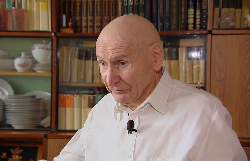 «Я проснулся от звуков падающей бомбы»: ветеран Великой Отечественной войны поделился воспоминаниями