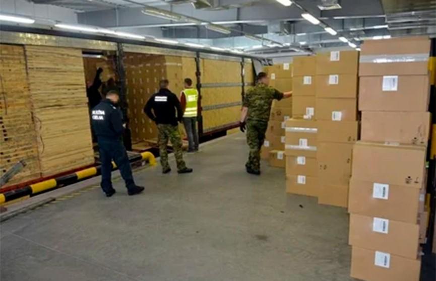 Рекордную партию в 1,8 млн пачек контрабандных сигарет обнаружили польские пограничники