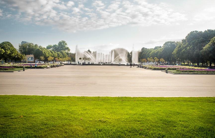 День 12 августа в истории: открылся парк отдыха им. М. Горького в Москве, первый компьютер поступил в продажу