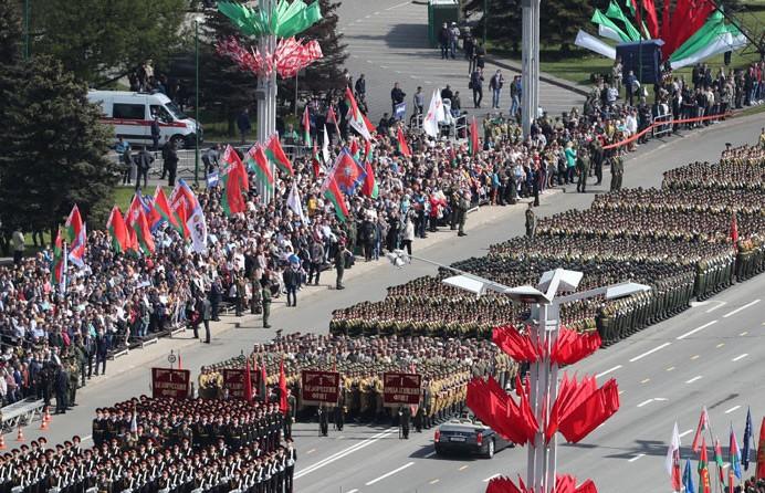 Парад в честь 75-летия Победы прошел в Минске: кто принял участие в праздничном шествии?