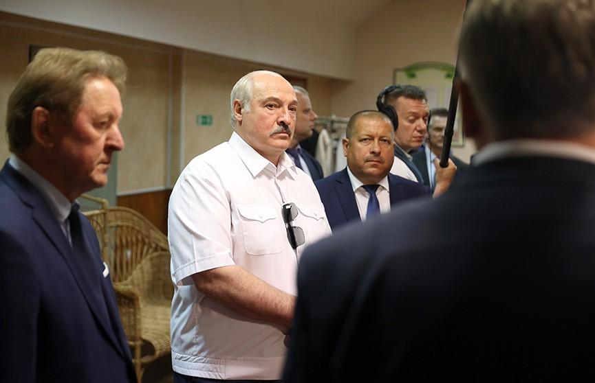 «Повыгоняешь начальников!» Лукашенко поручил передать Оршанскую фабрику художественных изделий льнокомбинату