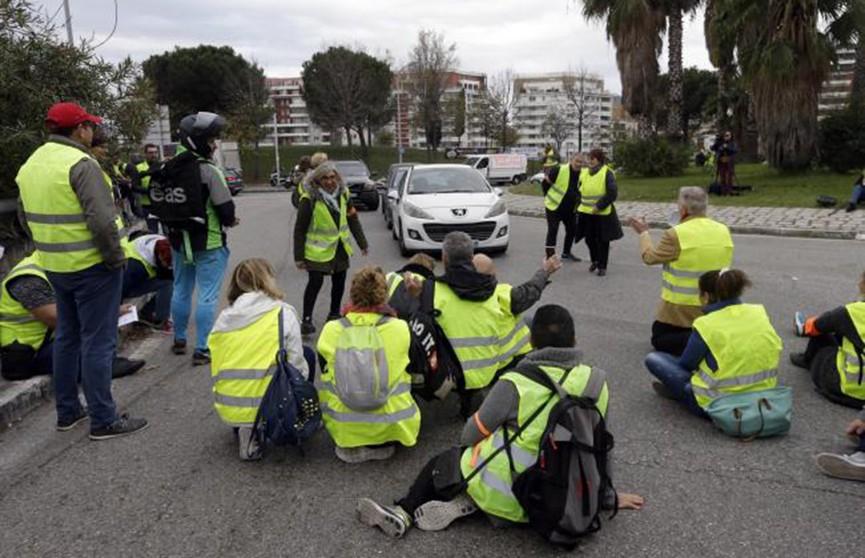 Французские водители протестуют против повышения цен на бензин