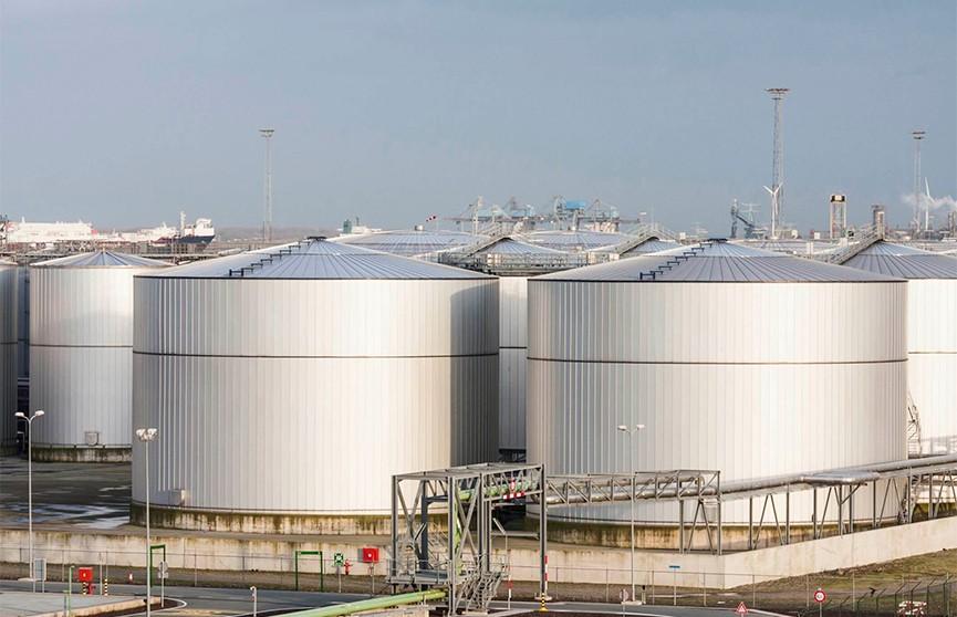 Частные компании начали хранить нефть в стратегическом резерве США