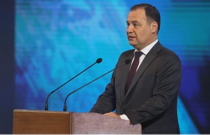 Головченко: учителя к 2025 году будут получать не меньше средней зарплаты по стране