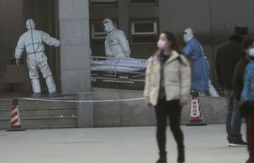 Число жертв нового коронавируса в Китае увеличилось до девяти человек