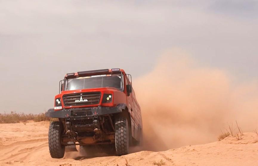 Новый белорусский гоночный МАЗ выиграл ралли-марафон Morocco Desert Challenge