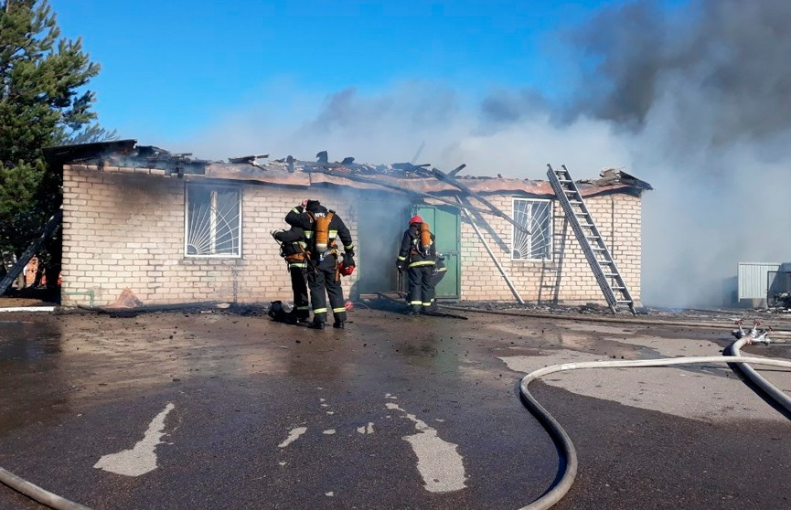 Пожар произошёл на территории асфальтобетонного завода под Минском