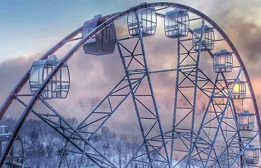 Колесо обозрения с посетителями остановилось в 20-градусный мороз в Иркутске