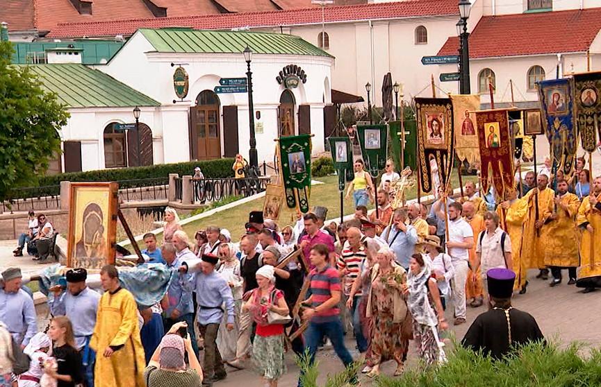 Мощи святого Александра Невского прибыли в Минск: ковчег завершает крестный ход по Беларуси
