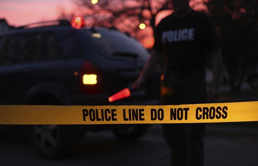 В США вооруженный мужчина убил четырех человек и тяжело ранил еще двоих
